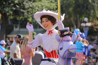 Mary Poppins in Mickey's Soundsational Parade.