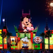 Disney World's New Holiday Nighttime Show at Hollywood Studios (and Santa Meet and Greet)