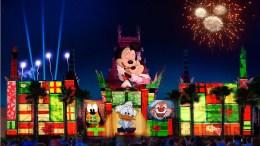 holiday nighttime show hollywood studios disney world
