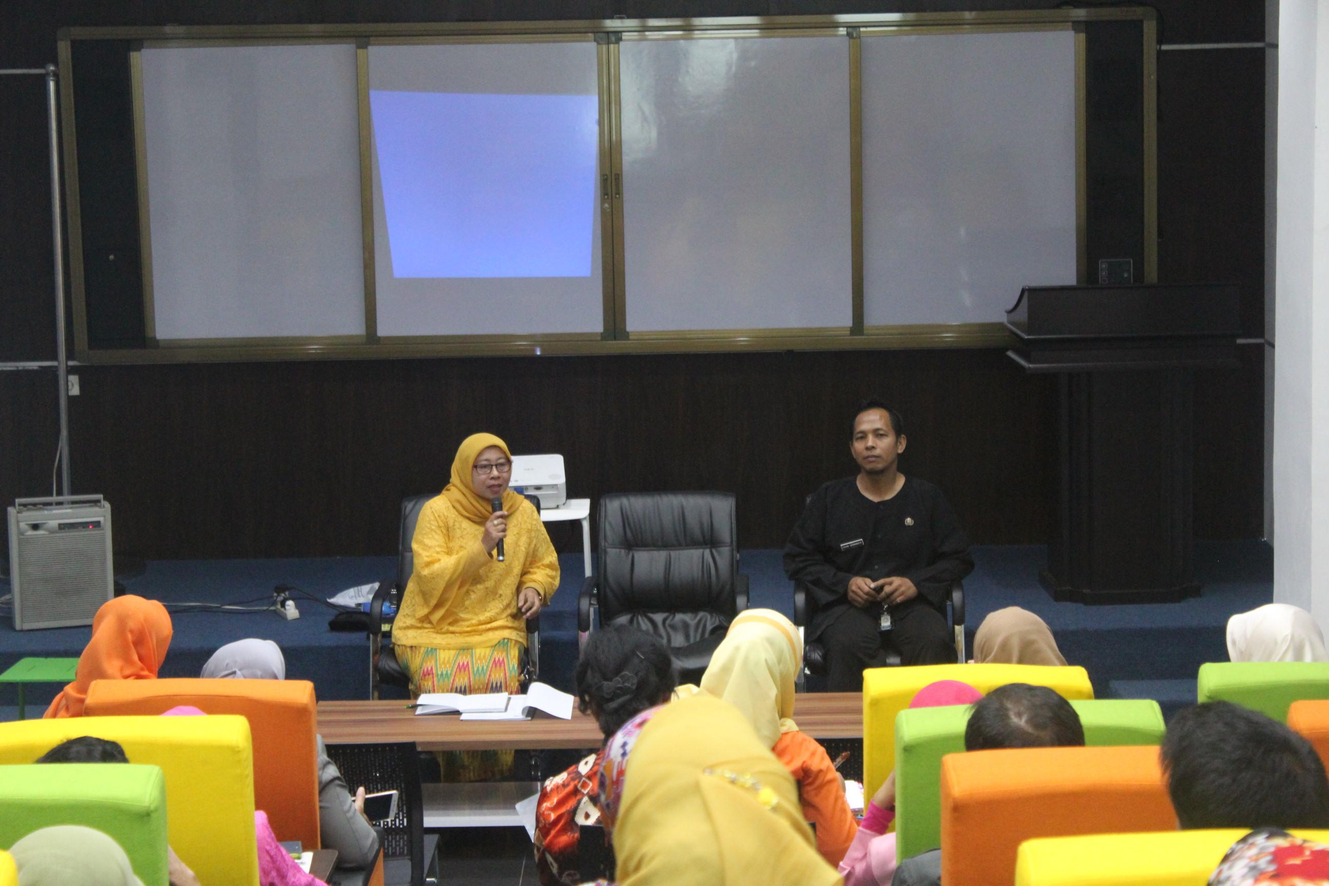 Sosialisasi Pengelolaan Perpustakaan kepada Para Pengelola Perpustakaan Sekolah Tingkat SMP Negeri se-Kota Bandung