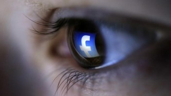 Facebook loses first round in suit over storing biometric data
