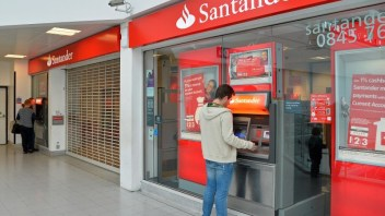 Santander aiming to use blockchain technology