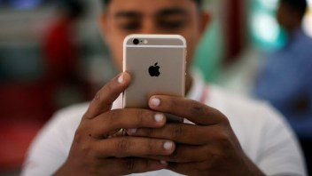 Apple moves to fix dangerous security flaw in iPhones, iPads