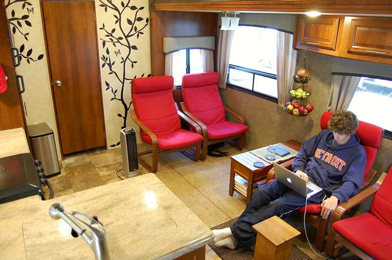 No Sew Diy Rv Curtains For Under 100 Ditching Suburbia