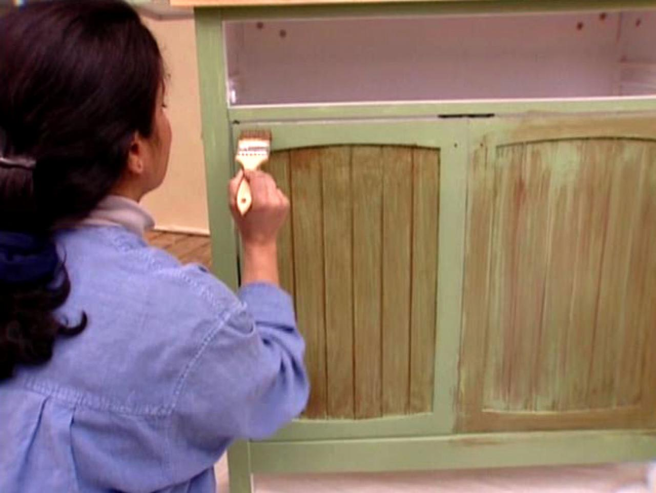 Wish Meuble How To Antique A Cabinet How Tos Diy