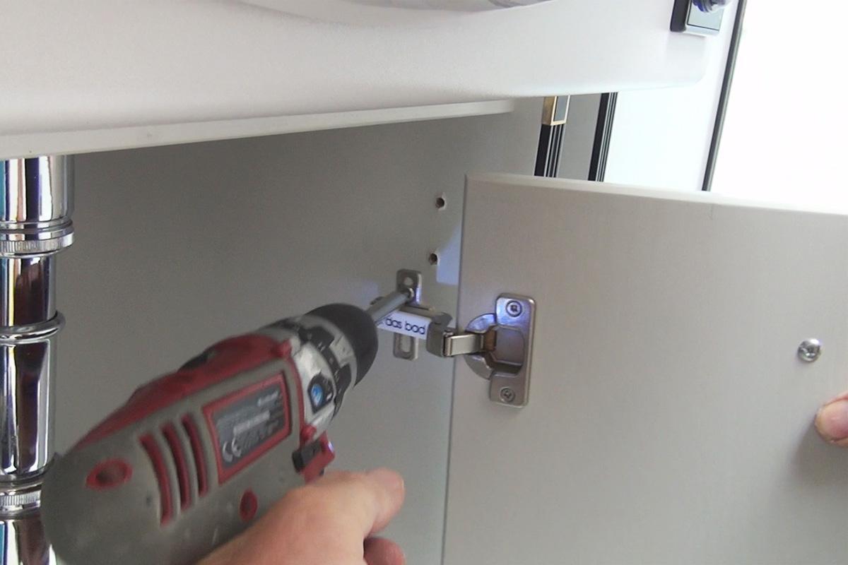 Kühlschrank Justieren Siemens : Siemens kühlschrank tür einstellen kühlschrank scharnier wechseln