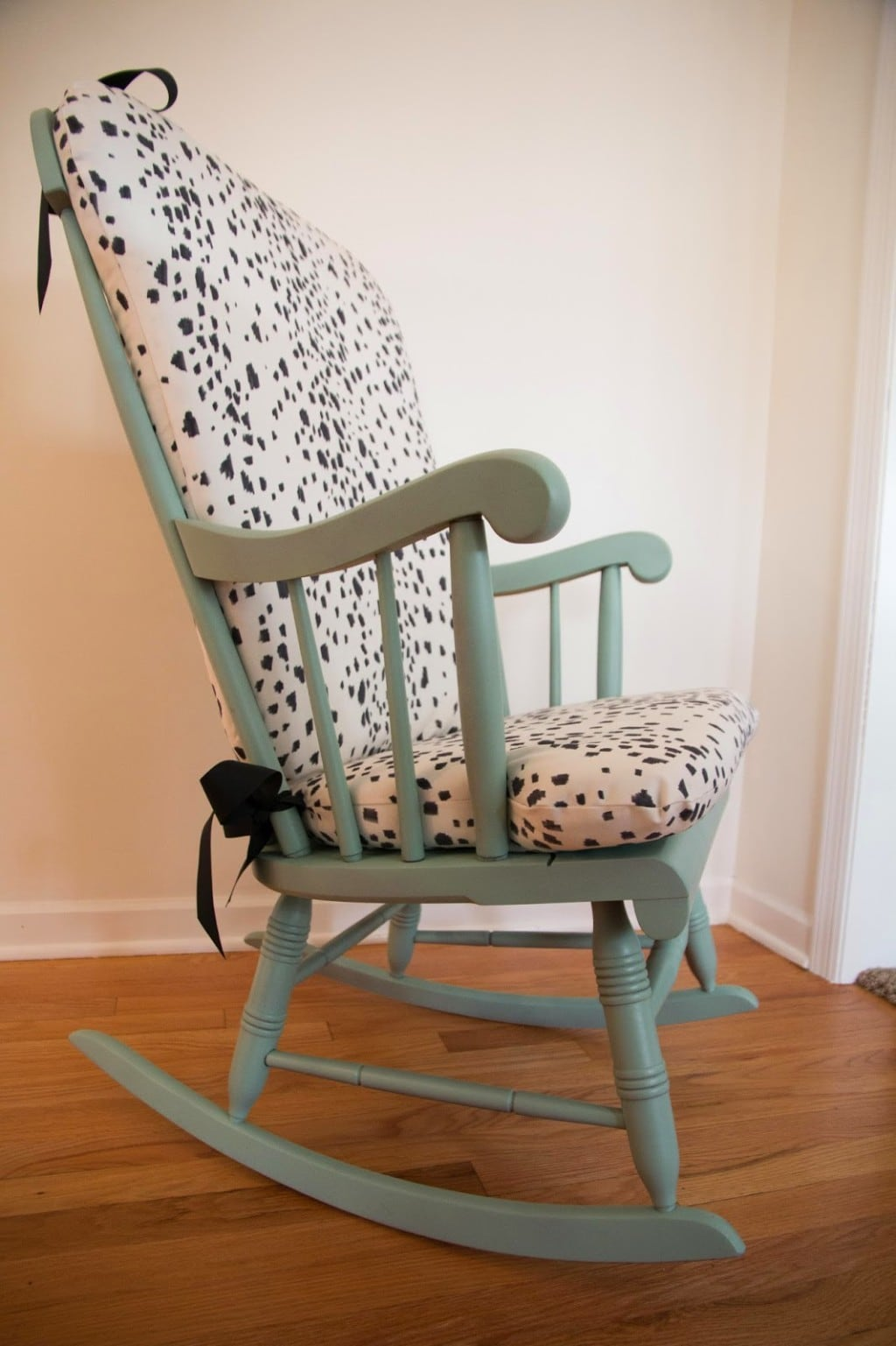 Upholstered Rocking Chair Diy Upholstered Rocking Chair Home Decor Diy Decor Mom