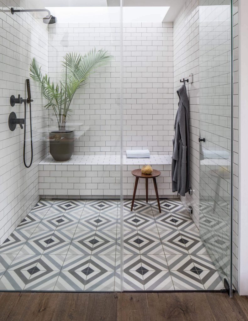30 Extraordinary Shower Tiles Ideas You Should Try Diy Home Art