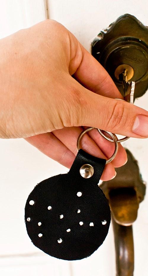 DIY constellation keychain