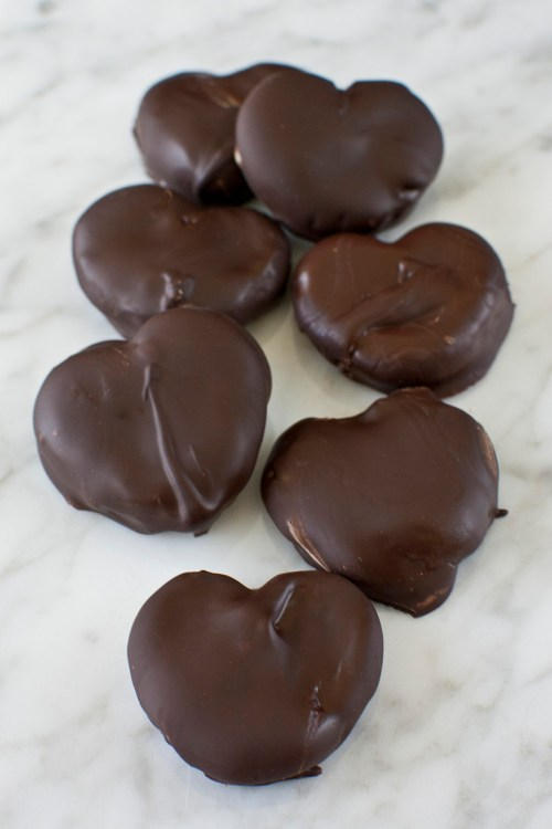 Easy chocolate peanut butter pretzel hearts recipe