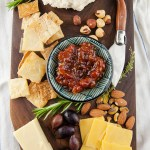 Learn how to make your own DIY wood serving board/cheeseboard. Would make an amazing holiday gift!