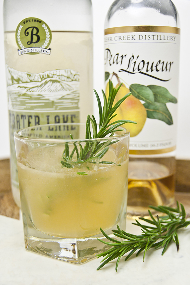 pear rosemary cocktail recipe