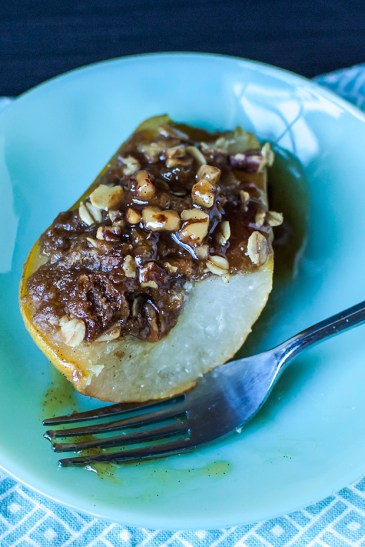 Vanilla Baked Pears with Streusel Filling