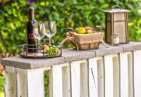 How To Make An Outdoor Pallet Bar