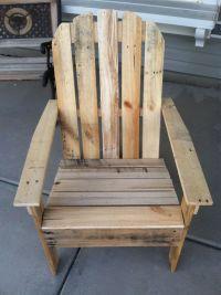 Pallet bookshelf and pallet outdoor chairDIY Pallet ...