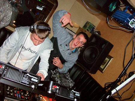 How to start a mobile DJ business A step by step guide to get you