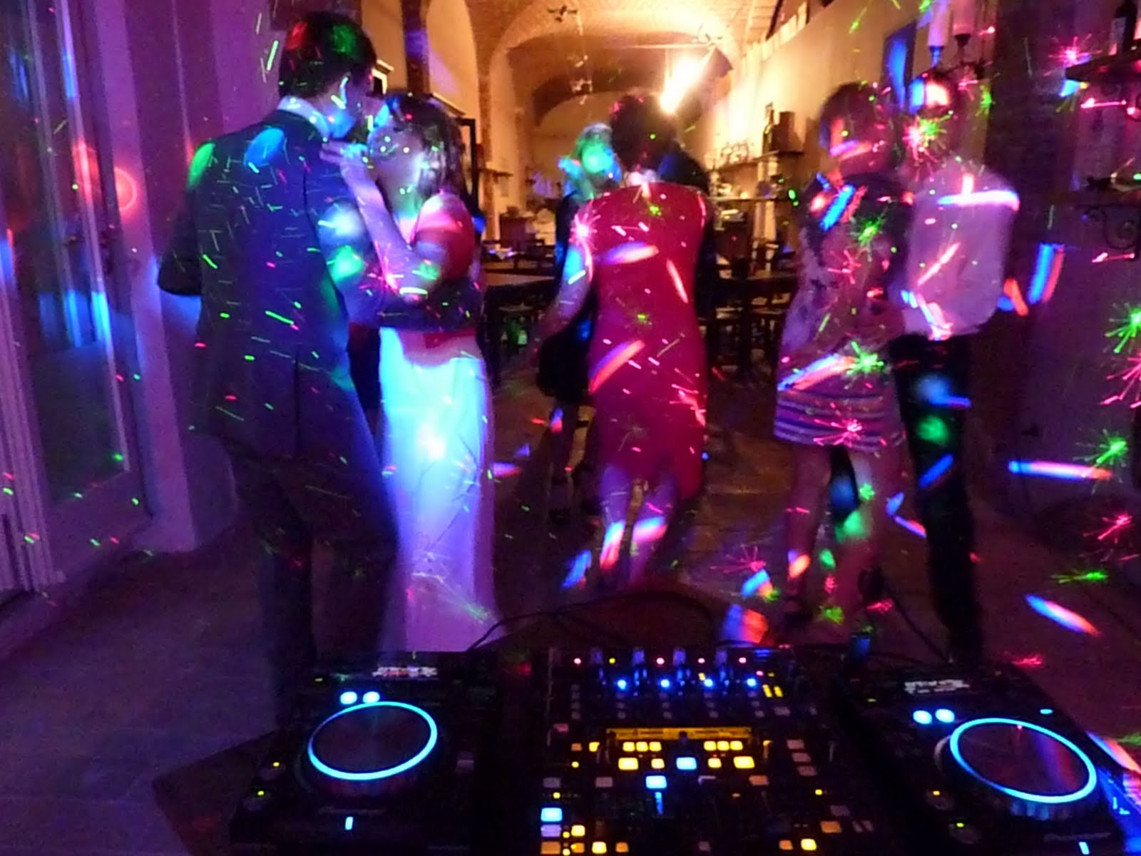 3d Wallpaper In Ludhiana Dj In Chianti Mobile Dj And Mobile Disco For Your Party