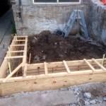 Na het sloopwerk, hebben we 3 palen laten heien en kon de bekisting voor de fundering worden gemaakt