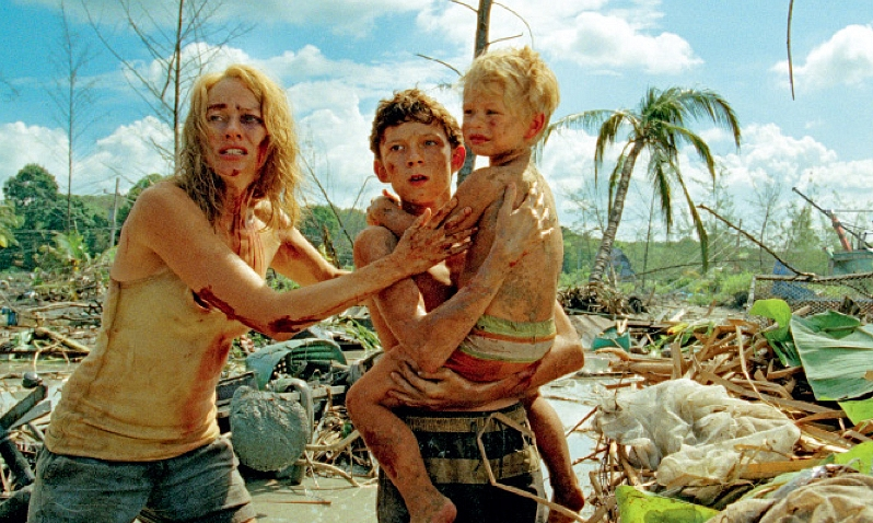 The Fall Film Wallpaper Watch Excellent Spanish Trailer For Tsunami Inflicted