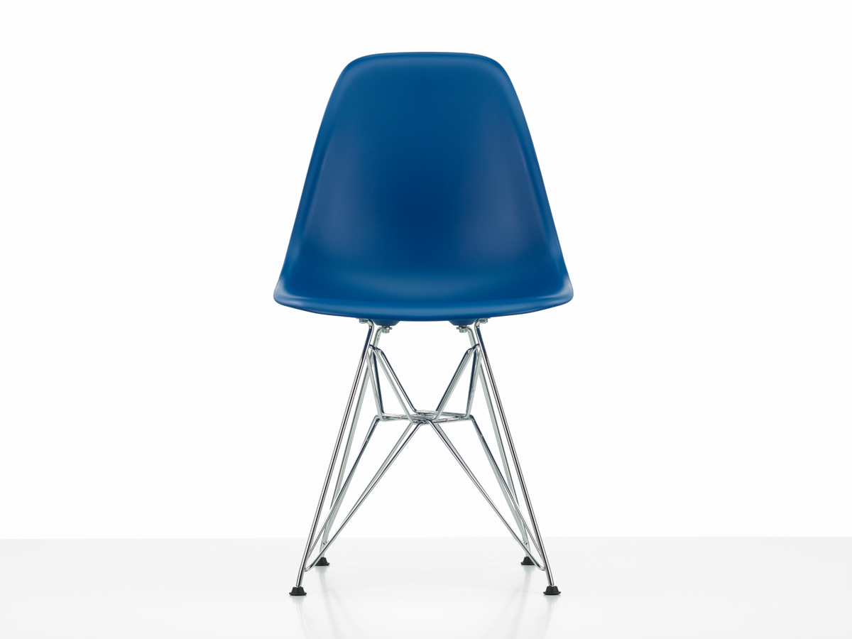 Vitra Eames Side Chair Buy The Vitra Dsr Eames Plastic Side Chair At Nest Co Uk