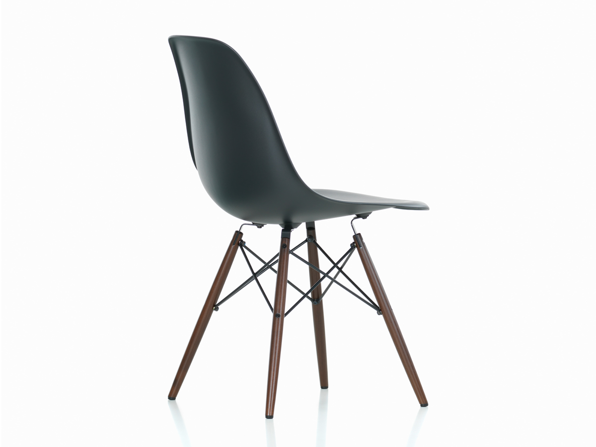 Charles Eames Vitra Buy The Vitra Dsw Eames Plastic Side Chair Dark Maple Base