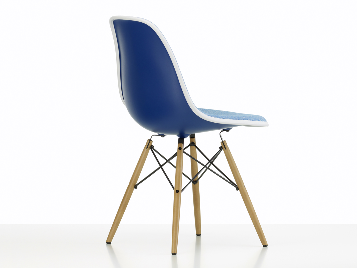 Vitra Eames Side Chair Buy The Vitra Upholstered Dsw Eames Plastic Side Chair