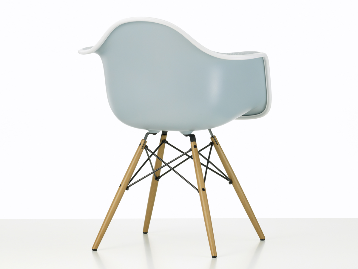 Eames Chair Daw Buy The Vitra Upholstered Daw Eames Plastic Armchair At