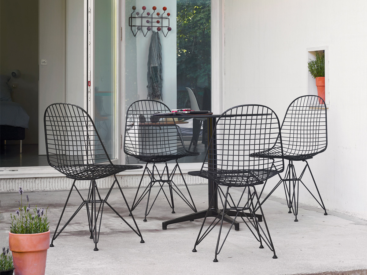 Designer Wire Chair Buy The Vitra Dkr Eames Wire Chair At Nest Co Uk
