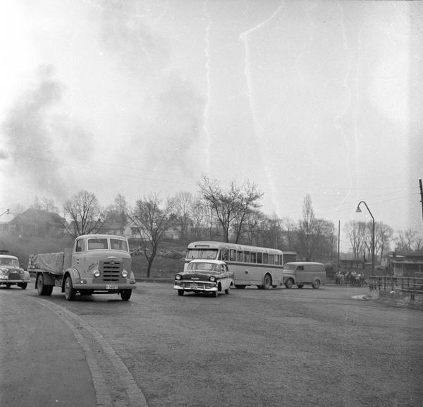 Sinsenkrysset Oslo Februar 1957 Vei Med Trafikk Norsk Folkemuseum Digitaltmuseum