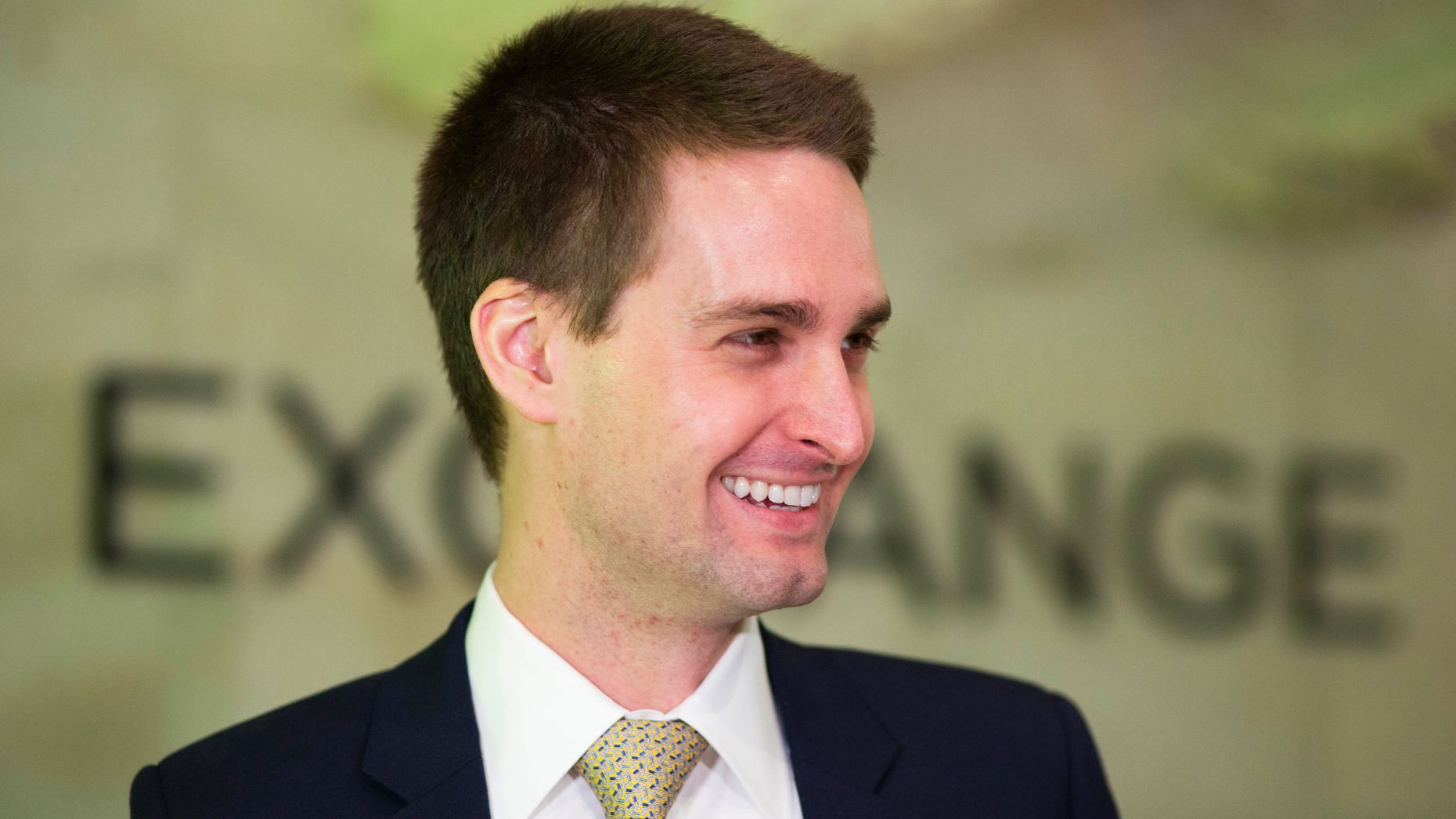 Spiegel. How Evan Spiegel Fumbled Snap S Redesign The Information