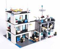 LEGO City Police Station 7498 - Pley | Buy or Rent the ...