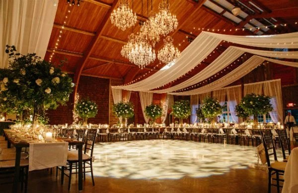 Bluestone Table Tops Wedding Venue Review: Cedar Lakes Estate In The Hudson Valley