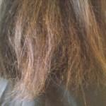 縮毛矯正後のヘアカラーでビビリ毛に?