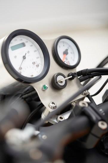 Instrumentenhalter mit Tacho und Öldruckanzeige