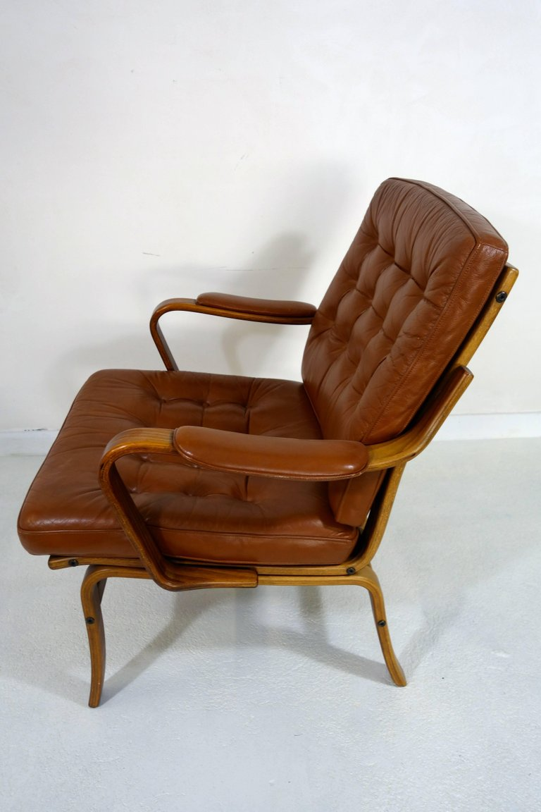 Scandinavian Möbel Pair Of Scandinavian Midcentury Wood And Leather Armchairs By Göte