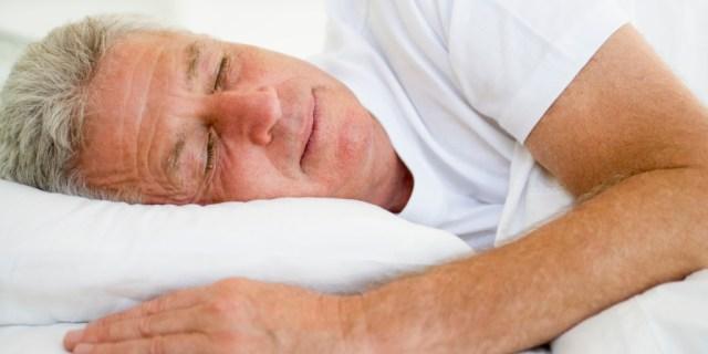 man-lying-in-bed-sleeping_StfN9TAHi-1024x683.jpg