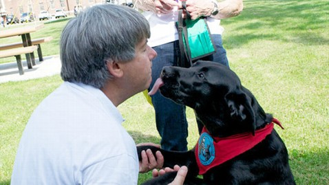 ht newtown dogs 1 mi 130624 wblog Newtown Community Thanks Therapy Dogs that Comforted Them
