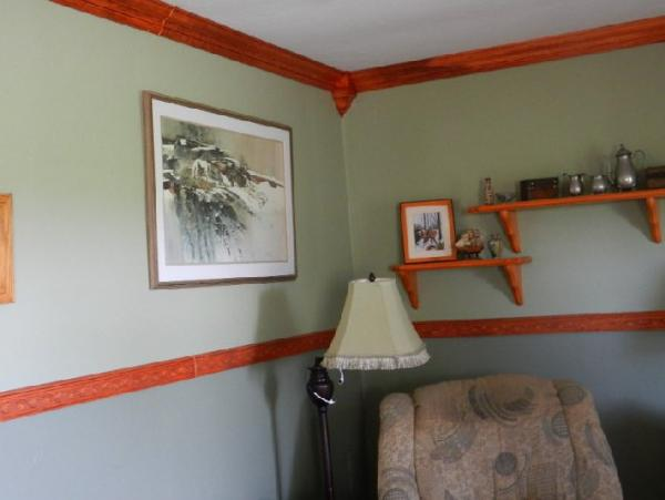 Paint For Wall Painting Painting Crown Moulding & Chair Rail - Doityourself.com