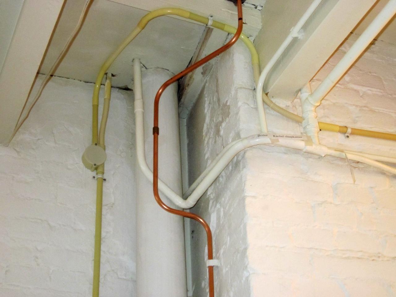 Lekkage boiler keuken dakreiniging c andr cleaning en renovatie