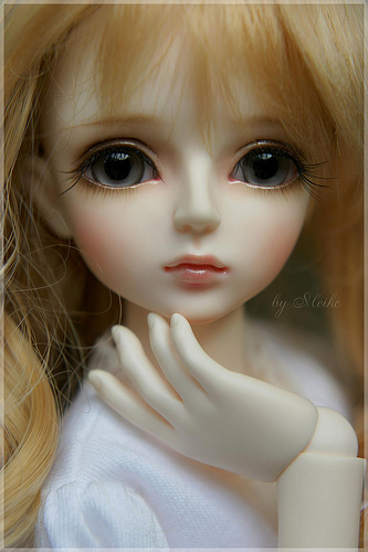 Girl Boy Sad Hd Wallpaper Dollfielle I Once Had A Sweet Little Doll The