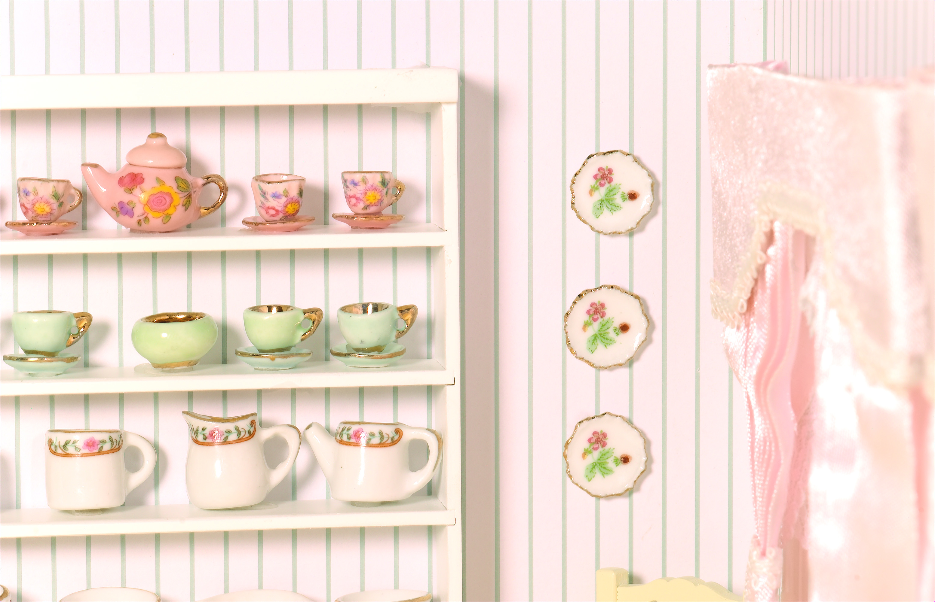 Plate ...  sc 1 st  Lovequilts & White Plate Rack Wall - Lovequilts