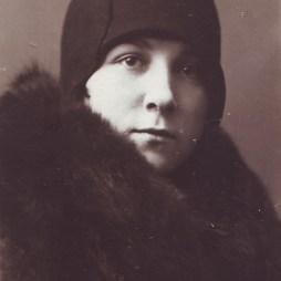 Евгения Суходрева. Москва, 1928 год. В это время она с семьей как раз проживала в квартире № 28