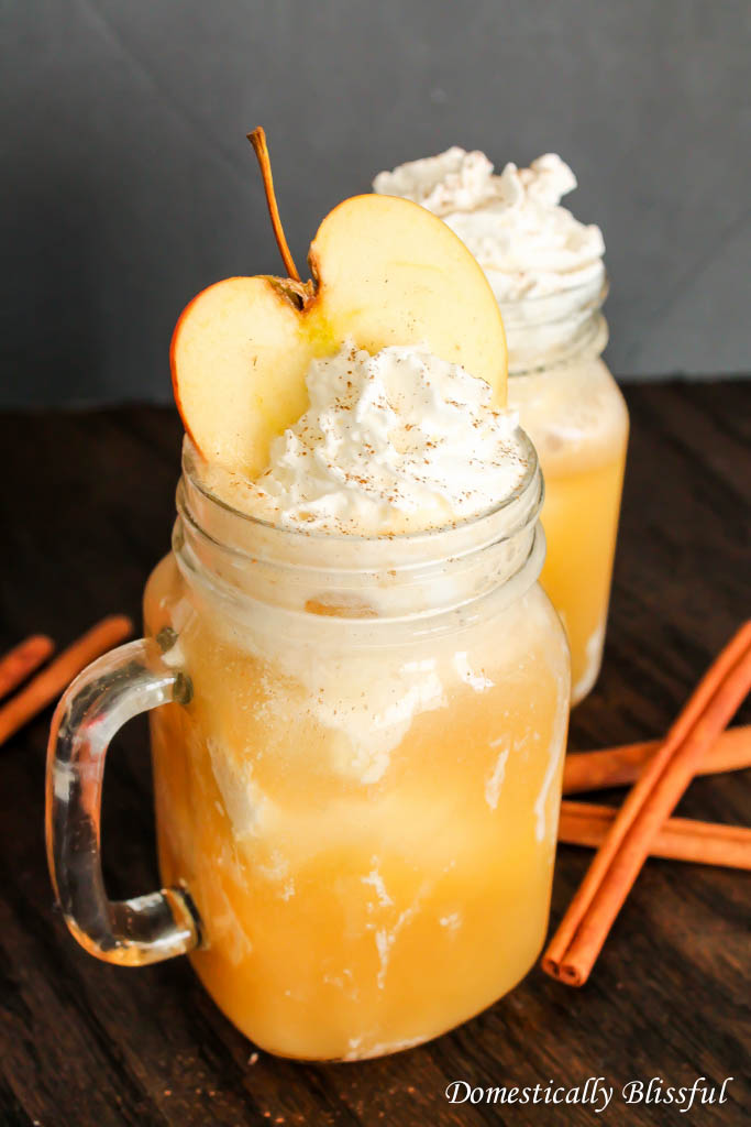 ... think it's time we turn our attention to these Apple Cider Floats