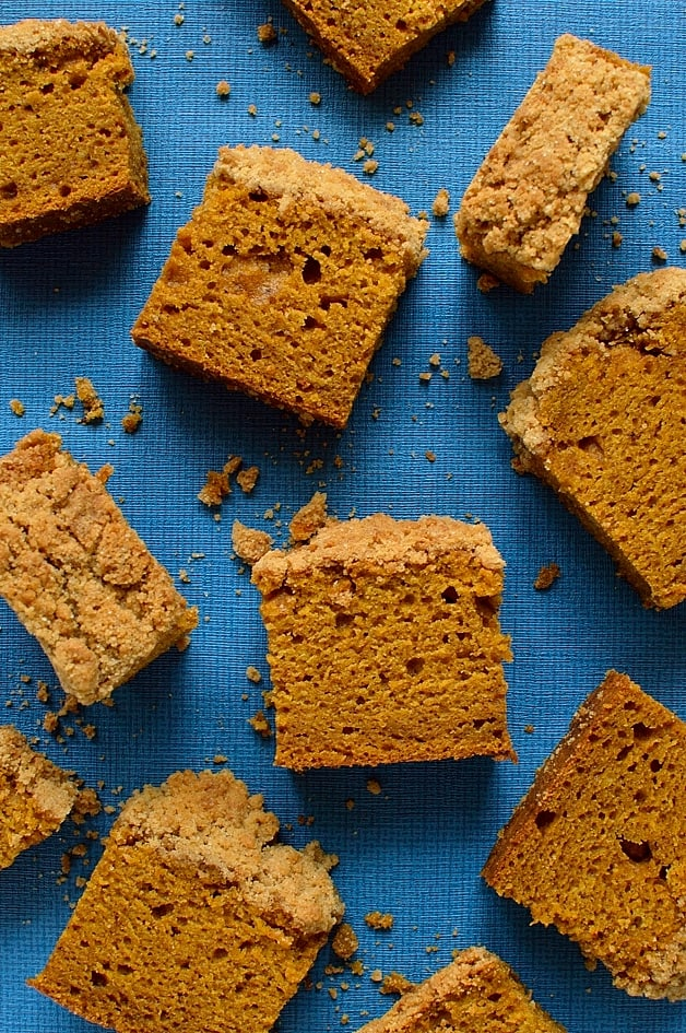 spiced pumpkin coffee cake with a crunchy crumble topping