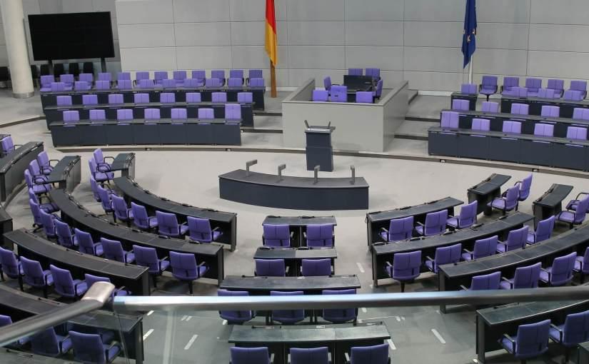 Regierungsumbildungen im Vergleich, am Beispiel der Regierungen Merkel II, Merkel III, Faymann I und Faymann II