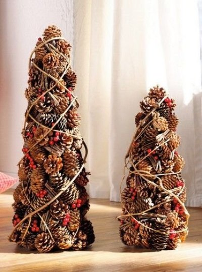 handmade-christmas-crafts-from-pinecones-photos-new-year-christmas-13869294018gn4k