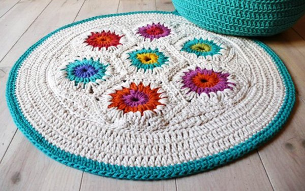 Rug-Crochet-Granny-Square-ArchitectureArtDesigns-2