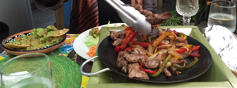 Ambiente bueno gente buena comida buena it must be don for Comida buena