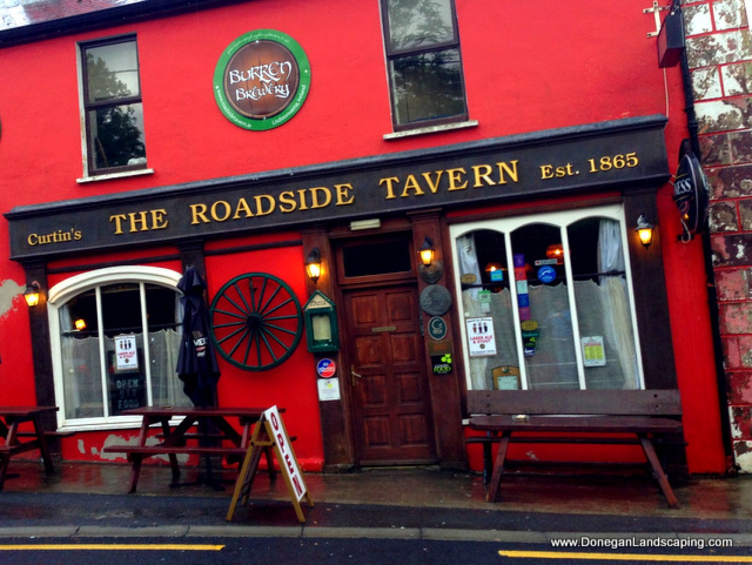 road side tavern