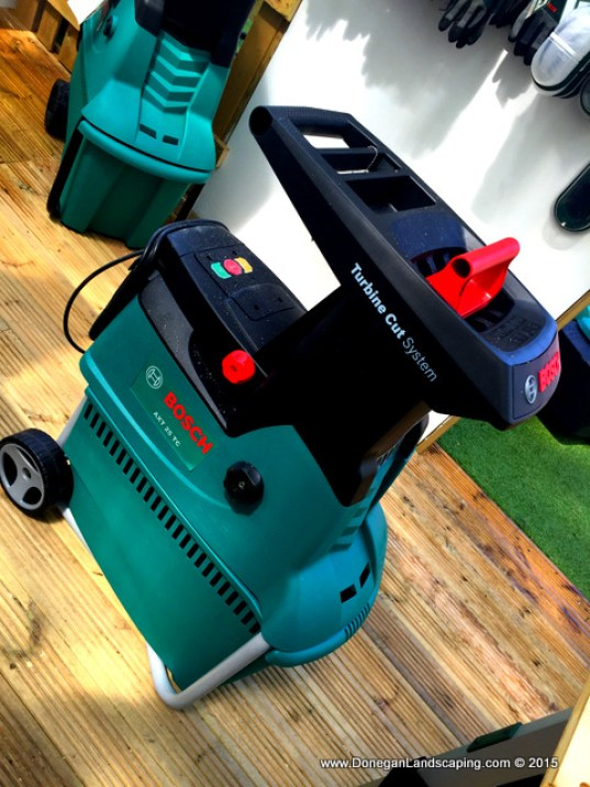 review bosch axt 25tc garden shredder peter donegan landscaping dublin. Black Bedroom Furniture Sets. Home Design Ideas